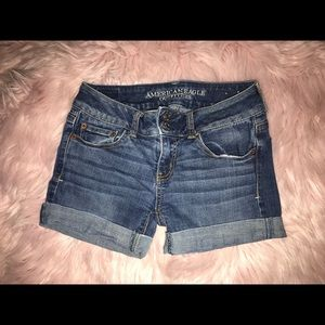 "American Eagle ""Artist"" Super Stretch Denim Shorts"